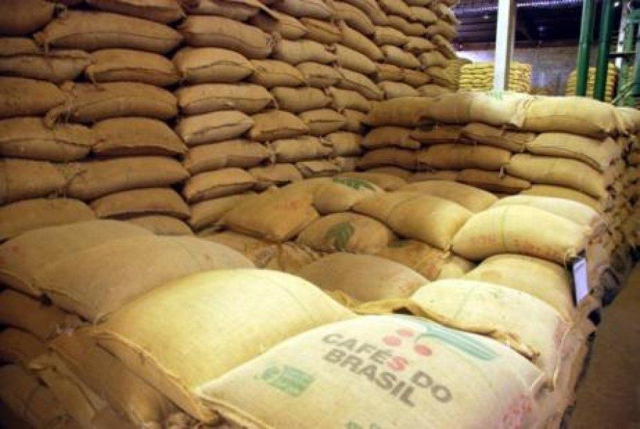 Exportações mundiais de café batem recorde com...